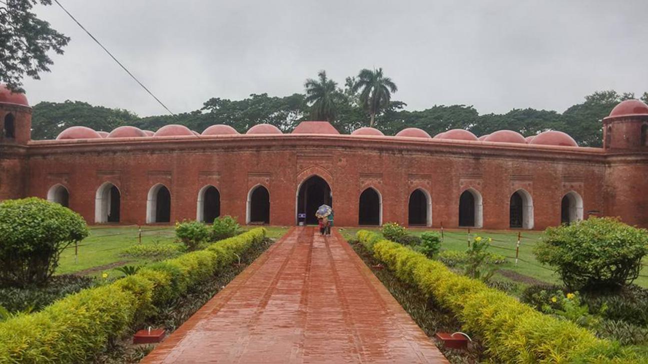 Saat Gambuj Masjid